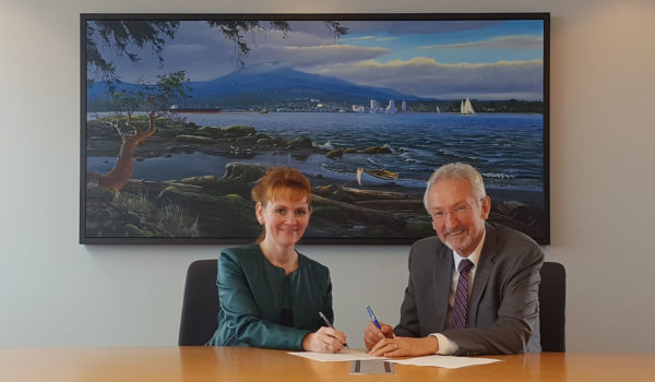 Leonard Krog, Nanaimo Mayor with Donna Hais, Chairperson of Port of Nanaimo